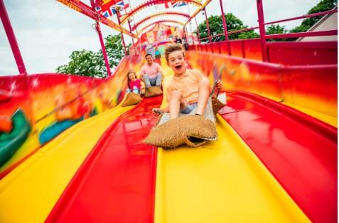 Créer un parc de jeux pour enfants : avec ou sans franchise ?