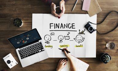 Une reunion de travail sur le financement d'une entreprise