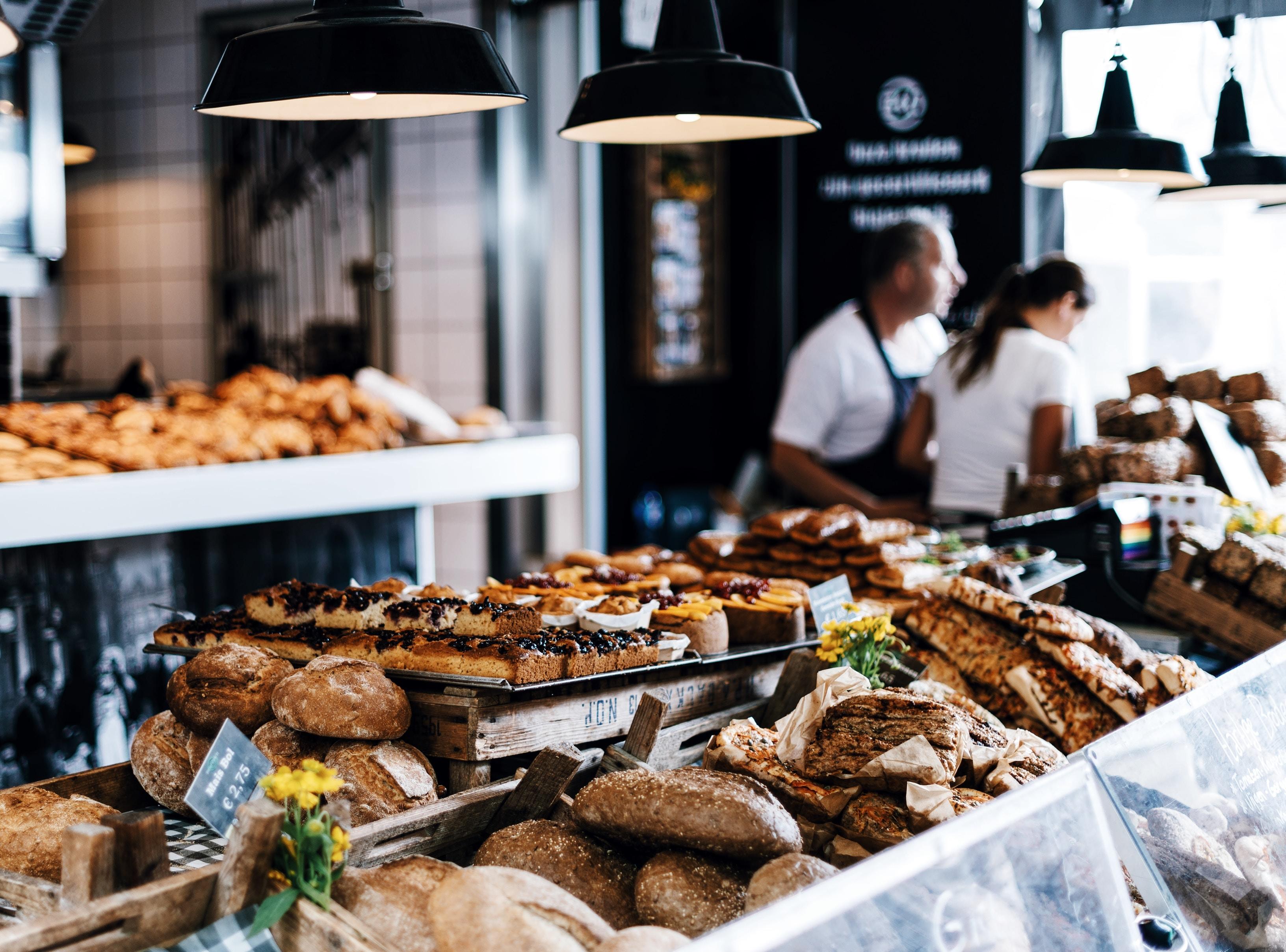 boulangerie-commerce-boulanger-pain-vitrine