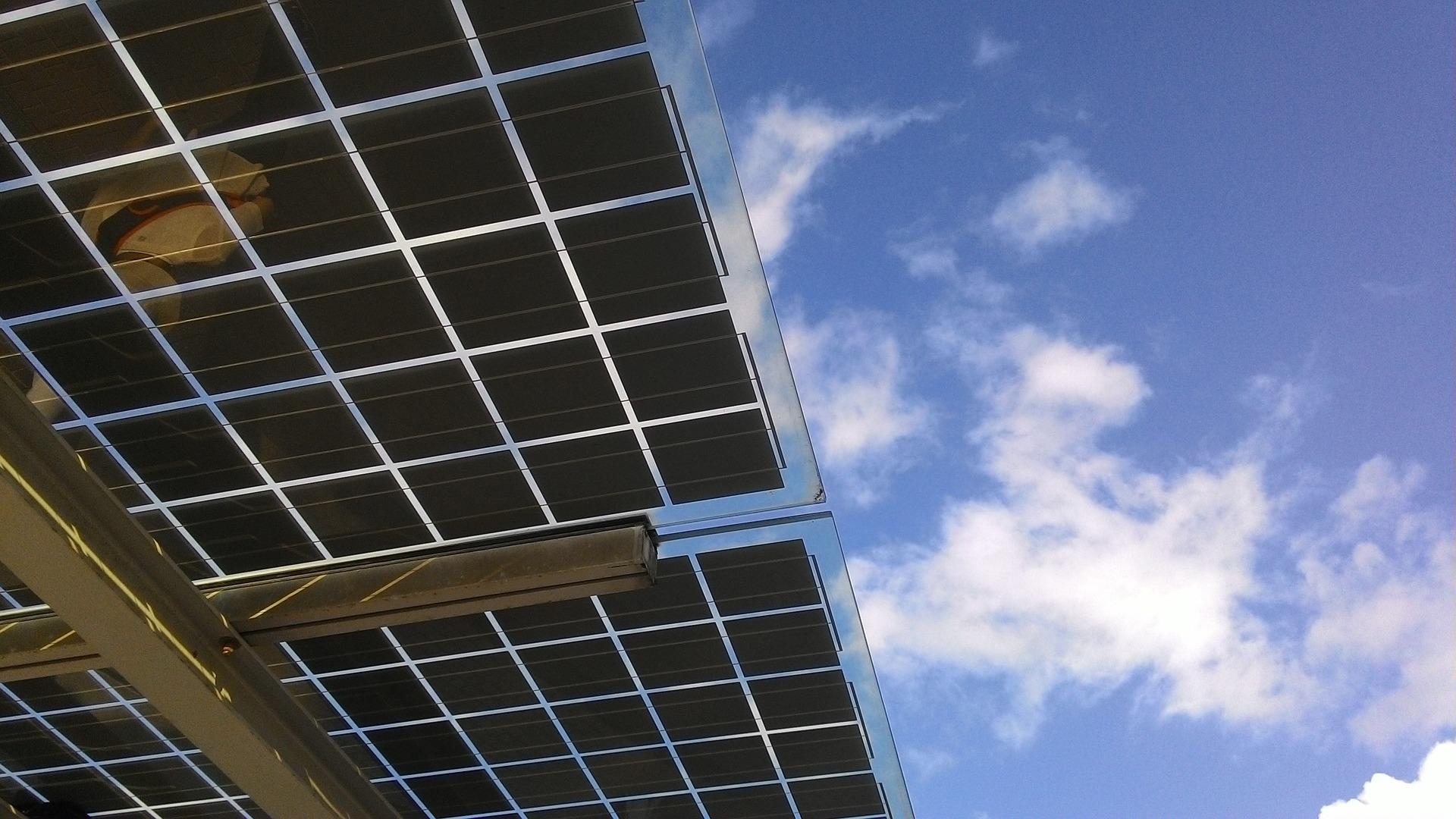Une installation de panneaux solaires