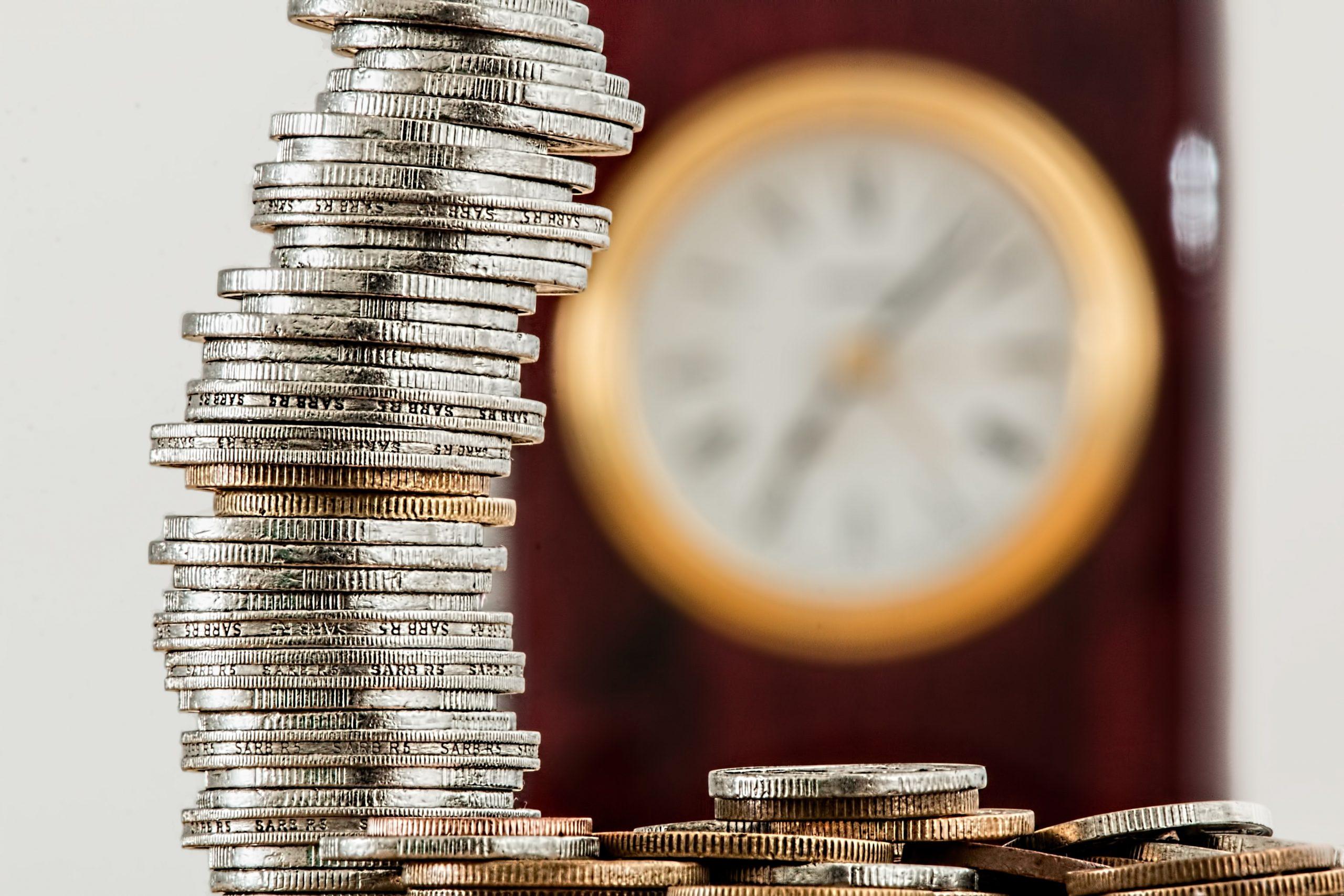 Pile d'économies pour le paiement du loyer